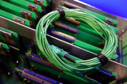 Intel MXC fiber cabling