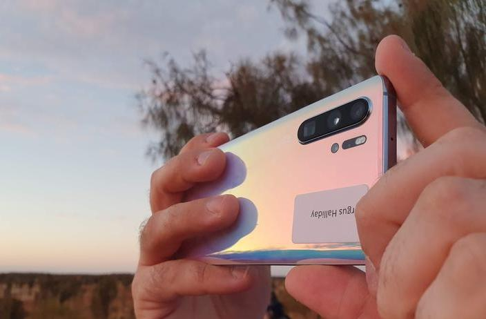 Huawei P30 Pro's 5x optical zoom steps up phone camera wars
