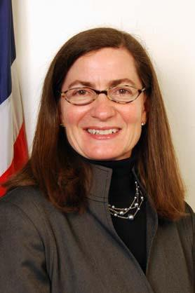 Julie Brill, a commissioner at the U.S. Federal Trade Commission, says do-not-track rules should apply to mobile devices as well as websites.