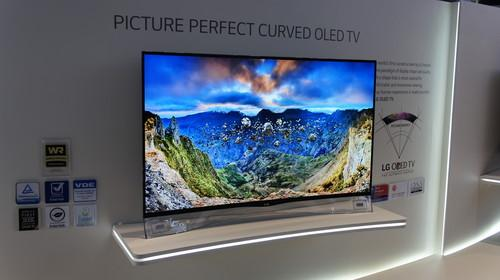 The 55EA9809 from LG doesn't support 4K but still looks impressive.