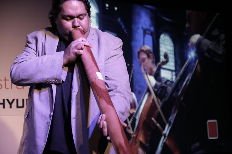 Famed didgeridoo artist William Barton belts out some tunes.