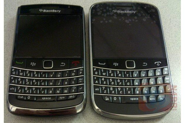 The current BlackBerry Bold 9700 [left] pictured next to the leaked BlackBerry Bold Touch [right] (Image credit: N4BB.com)