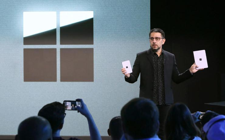 Panos Panay (Microsoft) introducing dual-screen devices Surface Neo and Surface Duo in October 2019