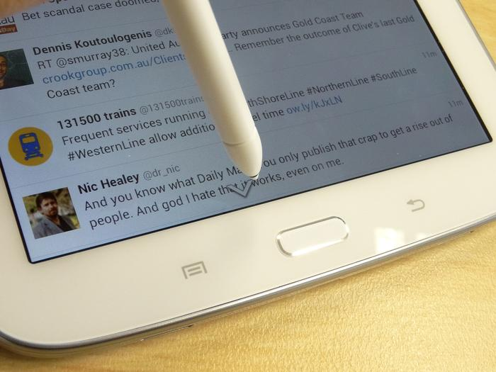 List scrolling enables you to scroll up or down lists in any app by holding the pen towards the edge of the screen.