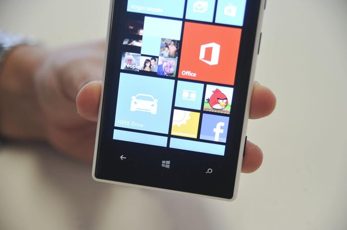 The Nokia Lumia 720 has a 4.3in IPS touchscreen with a resolution of 800x480.
