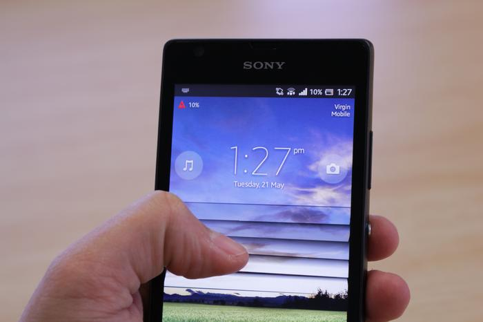 The Xperia SP has poor viewing angles and can't display ultra deep blacks.