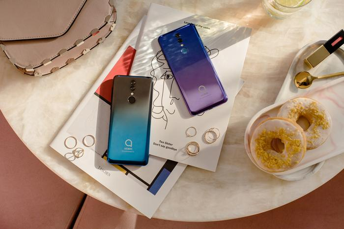 Alcatel deal out a trio of dirt-cheap smartphones - PC World