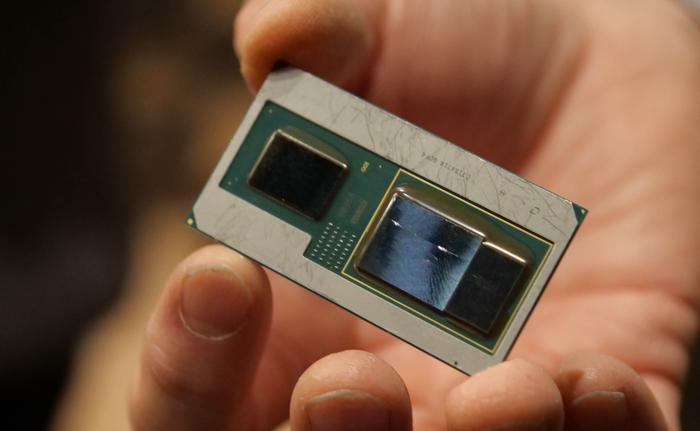 Intel Officially Launches New 8th Gen Core Processors With AMD Radeon Graphics