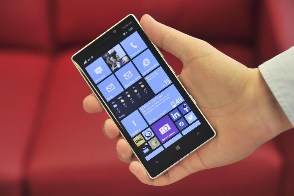 Nokia loyalists who relish the phone's always-on clock will be disappointed to find out the mode is no longer on the Lumia 930