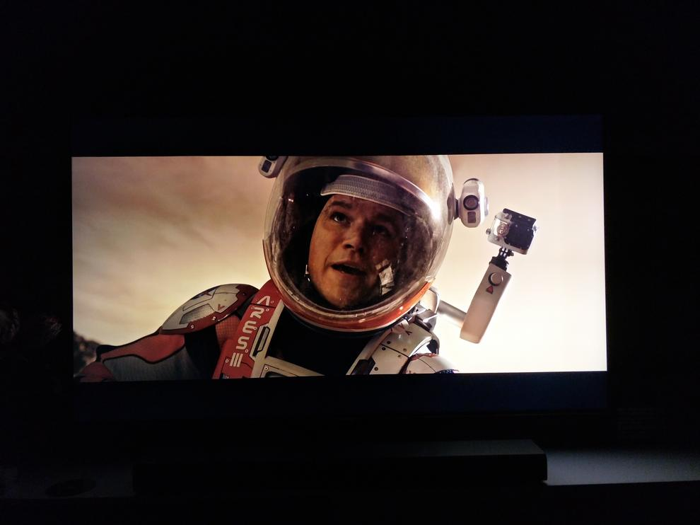 A standard scene from The Martian UHD Blu-ray in a dark room and the letterbox bars stay black.