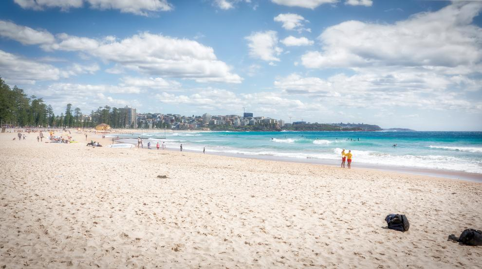 Manly beach morning – Another example of the rich colour, tones and depth of field … 1/1000, f12, ISO 1250