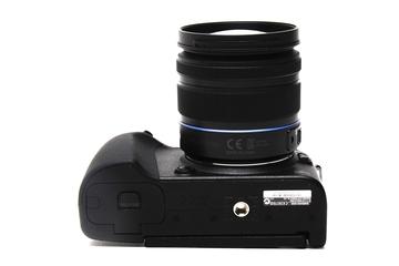 Samsung NX20 camera
