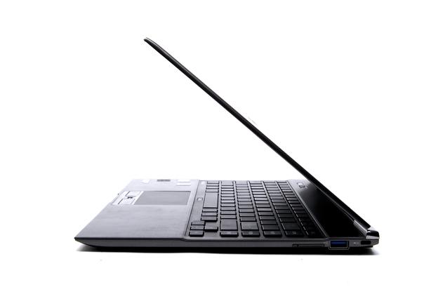 Toshiba Portege Z930 Ultrabook (model PT235A-00V00D01)