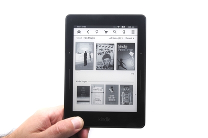 Amazon.com Kindle Voyage e-book reader