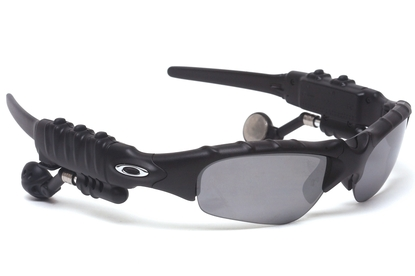 Oakley Thump 1.0 Review  - MP3 Players - MP3   Portable Media ... d5099fc482