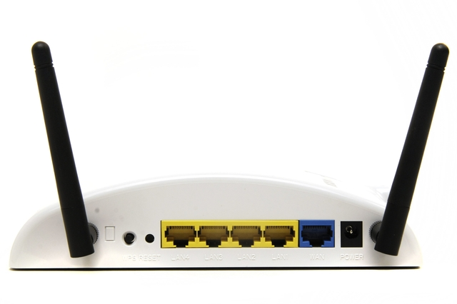 AXIM Communications MR-108N 3G router
