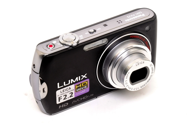 Panasonic  LUMIX DMC-FX75